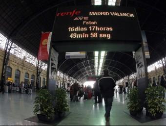 Plafó electrònic a l'estació del Nord de València. Foto:J. CUÉLLAR