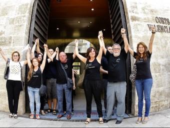 L'AVM3J celebra l'obertura de la comissió d'investigació a les Corts. Foto:J.CUÉLLAR