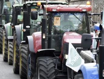 Tractors circulant pels carrers de París Foto:T. SAMSON / AFP