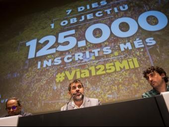 Quim Torra, Jordi Sànchez i Josep Sabaté en la roda de premsa d'ahir Foto:ALBERT SALAME