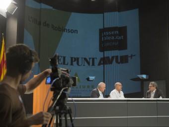 Josep i Ramon Brugada, amb el presentador del programa, Eduard Berraondo Foto:JOAN CASTRO