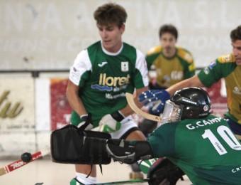 Una jugada del partit entre el Lloret i el Vilafranca de la final del torneig Dona Marinera Foto:JOAN SABATER