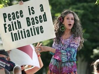 Jane Fonda in 'Peace, love and misunderstanding' (2011)