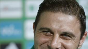 Joaquín Sánchez, el dia de la seva presentació amb el Betis Foto:EFE