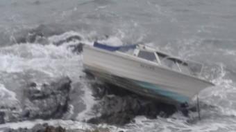 Una de les barques malmeses a Cadaqués Foto:ÀNGEL SUÁREZ