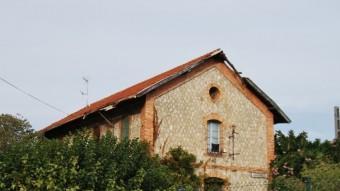 Edifici de l'estació de la Ribera de Cabanes. Foto:EL PUNT AVUI