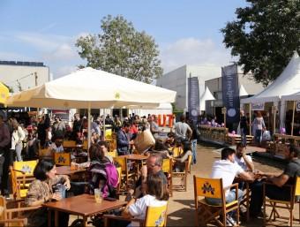 L'espai destinat a menjar i beure ha tingut molt bona acollida. Foto:MANEL LLADÓ