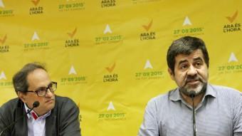 Els presidents d'Òmnium, Quim Torra, i de l'ANC, Jordi Sànchez, en una roda de premsa el setembre passat Foto:ELISABETH MAGRE