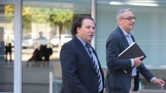 Daniel Masagué , acompanyat del seu advocat, ahir a l'entrada als jutjats del Vendrell Foto:JUDIT FERNÀNDEZ