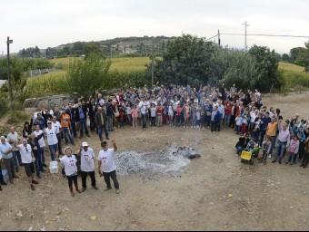 Desenes de persones a la botifarrada organitzada a Ramaderia Pifarré Foto:SANTI IGLESIAS