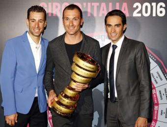 Nibali, Basso i Contador, durant la presentació d'ahir Foto:EFE