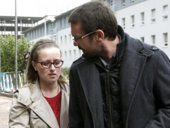 Estela Ordoñez i Antonio Lago, a la sortida del jutjat Foto:EFE