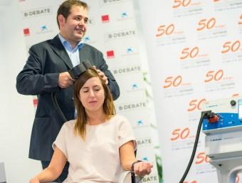 L'electroestimulació és una de les vies no invasives per recuperar zones malmeses del cervell Foto:EL PUNT AVUI