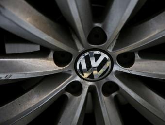 Una roda amb el logotip de Volkswagen Foto:REUTERS