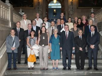 Representants de diversos col·legis professionals, el juliol del 2012 amb l'aleshores presidenta d'Òmnium i avui diputada electa Muriel Casals, en un acte a favor del dret a decidir Foto:ARXIU