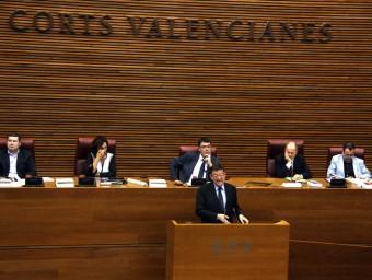 El president de la Generalitat Valenciana, Ximo Puig defensa la proposició a la tribuna de les Corts. Foto:ACN