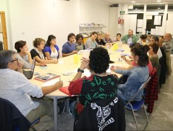 Dilluns al vespre es va celebrar una assemblea en què les entitats van decidir marxar de Solidàrium Foto:COORDINADORA ONG