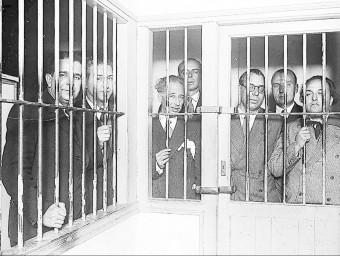 Lluís Companys, al mig, a la presó de la Moncloa durant el judici a ell i altres consellers del govern català pels Fets d'Octubre del 1934 Foto:FUNDACIÓ JOSEP IRLA