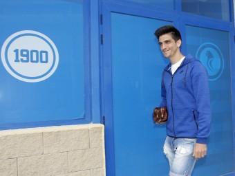 Gerard Moreno ahir abans d'entrar a la roda de premsa Foto:FERRAN CASALS