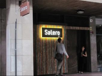 """El nou local nocturn porta per nom """"Salero"""" i està previst que s'obri avui al vespre, malgrat el malestar veïnal Foto:D.V"""