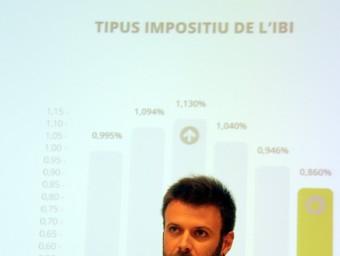 El regidor de l'àmbit Badalona Democràtica, Jose Téllez, va presentar les ordenances a la premsa Foto:ACN