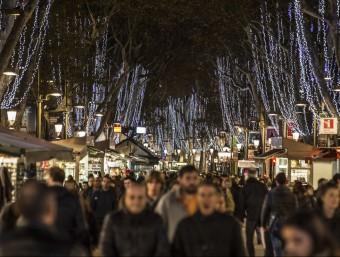 L'enllumenat de Nadal s'ha reduït 10 dies per estalviar un 20% de consum energètic Foto:ALBERT SALAMÉ