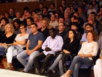 Raül Romeva i Jordi Turull de JxSí asseguts al darrera dels diputat de la CUP, Quim Arrufat i Isabel Vallet juanma ramos