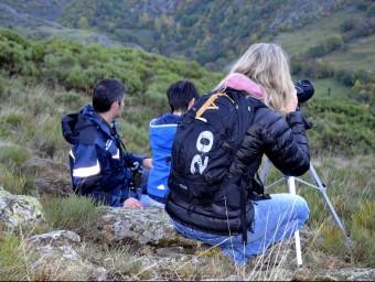Participants d'una sortida per escoltar la brama del cérvol, a l'Alt Àneu, al Pallars Sobirà Foto:ACN