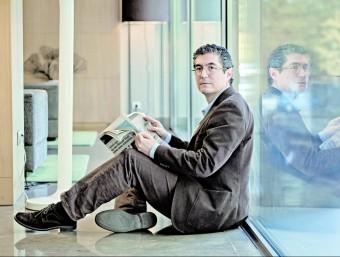 En el seu darrer llibre, Fernando Trias de Bes, reuneix expressions econòmiques d'ús habitual amb la definició oficial i la que ell entén que és la real.  Foto:ARXIU