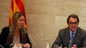 Neus Munté i Artur Mas en una reunió del consell executiu Foto:ACN