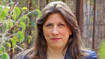 Zoe Konstantopoulou, expresidenta del Parlament grec, dissabte a la seu de l'Observatori del Deute en la Globalització Foto:JOAN MANUEL RAMOS