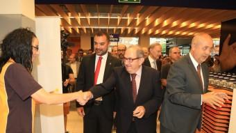 Joan Font, al centre, amb el conseller Felip Puig, en la inauguració d'un Esclat a Terrassa.  Foto:ARXIU / ANDREU PUIG