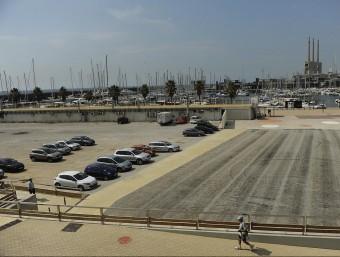 Aquest és el solar que l'Ajuntament de Badalona es vendrà perquè un operador aixequi un hotel Foto:JOSEP LOSADA