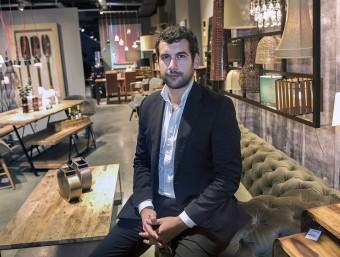 Jordi Lladó, director general de Casa Viva, en un establiment que la cadena de decoració té a l'Eixample barcelonès.  Foto:JOSEP LOSADA
