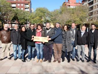 La presentació de la candidatura es va fer ahir al migdia a la plaça del Barco de Girona Foto:ACN