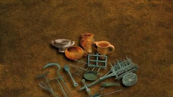Fireta i eines de joguina d'època romana són algunes de les peces de l'exposició del Museu de Badalona. Foto:MUSEU BDN