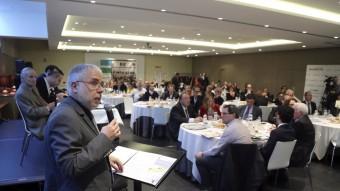 El director del diari El Punt Avui, Xevi Xirgo, durant la presentació ahir de la nova edició del Maresme a l'esmorzar d'Alcaldes.eu Foto:QUIM PUIG