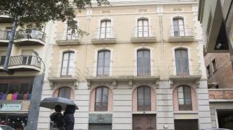 La façana de la casa natal de Salvador Dalí, al carrer Monturiol de Figueres, en una imatge pres ahir. Foto:Joan Castro / Iconna