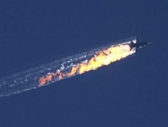 Captura de vídeo del canal de televisió HaberTurk que mostraria l'avió sinistrat. Foto:EFE