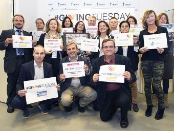 Algunes de les organitzacions sense ànim de lucre que participen en aquesta primera edició a Catalunya del #GivingTuesday nascut als Estats Units Foto:EL PUNT AVUI
