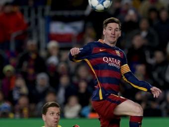 Leo Messi amb un Szczesny desbordat Foto:EFE