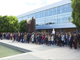 Minut de silenci contra la violència de gènere a la Universitat d'Alacant. Foto:EL PUNT AVUI
