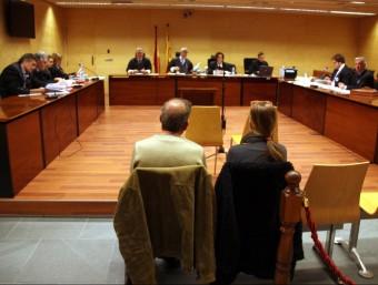Els acusats ahir durant el judici, celebrat a la secció quarta de l'Audiència de Girona Foto:G. P