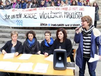 L'acte d'ahir a la Plaça del Rei de Barcelona on es va presentar el manifest No morim, ens maten Foto:ANDREU PUIG
