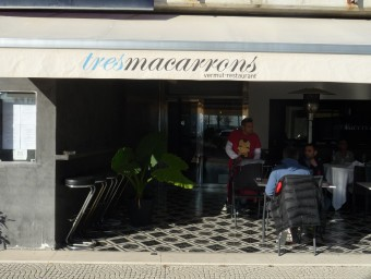 Façana del restaurant Tresmacarrons d'El Masnou que ha obtingut la primera estrella Michelin Foto:LLUÍS ARCAL