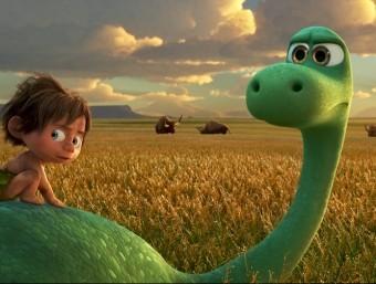 Arlo i el nen protagonitzen un viatge ple de perills i aventures Foto:PIXAR-DISNEY