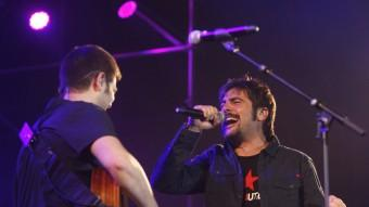 José i David, en l'inici del concert d'Estopa al Sant Jordi, on tornaran a actuar l'octubre del 2016 Foto:ORIOL DURAN