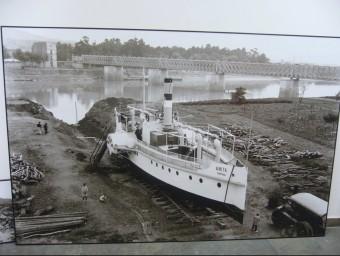 Una imatge de l'Anita amb el pont del tren al fons Foto:L.M