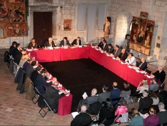 La reunió dels alcaldes amb el conseller Ferran Mascarell i el president de la Diputació, Pere Vila, es va celebrar ahir al Saló del Tron del Museu d'Art de Girona joan sabater
