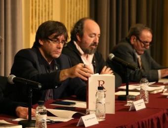 Nadal, Tres, Puigdemont, Rossich i Climent, a l'acte de presentació de Revista de Catalunya, ahir a Girona Foto:ICONNA